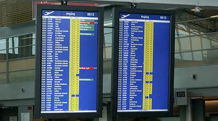 Arriving flights on digital signage