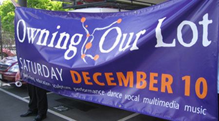 nylon-banners promoting a living community